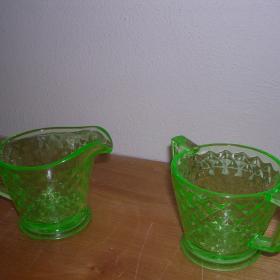 Vaseline glass sugar and creamer set
